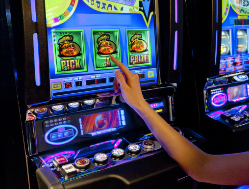 A slot casino is fun and you can throw caution to the wind and still win!  For tips and tricks on how to accomplish this, check out our reviews.